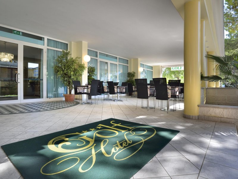 Hotel Golf 3 Sterne in der Nähe vom Wasser in Bibione Spiaggia